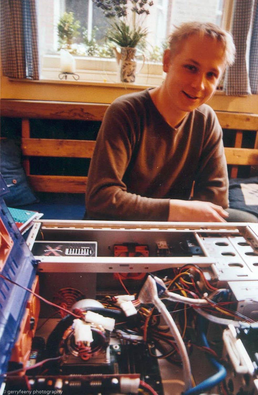 tomas novy building shit-hot computer